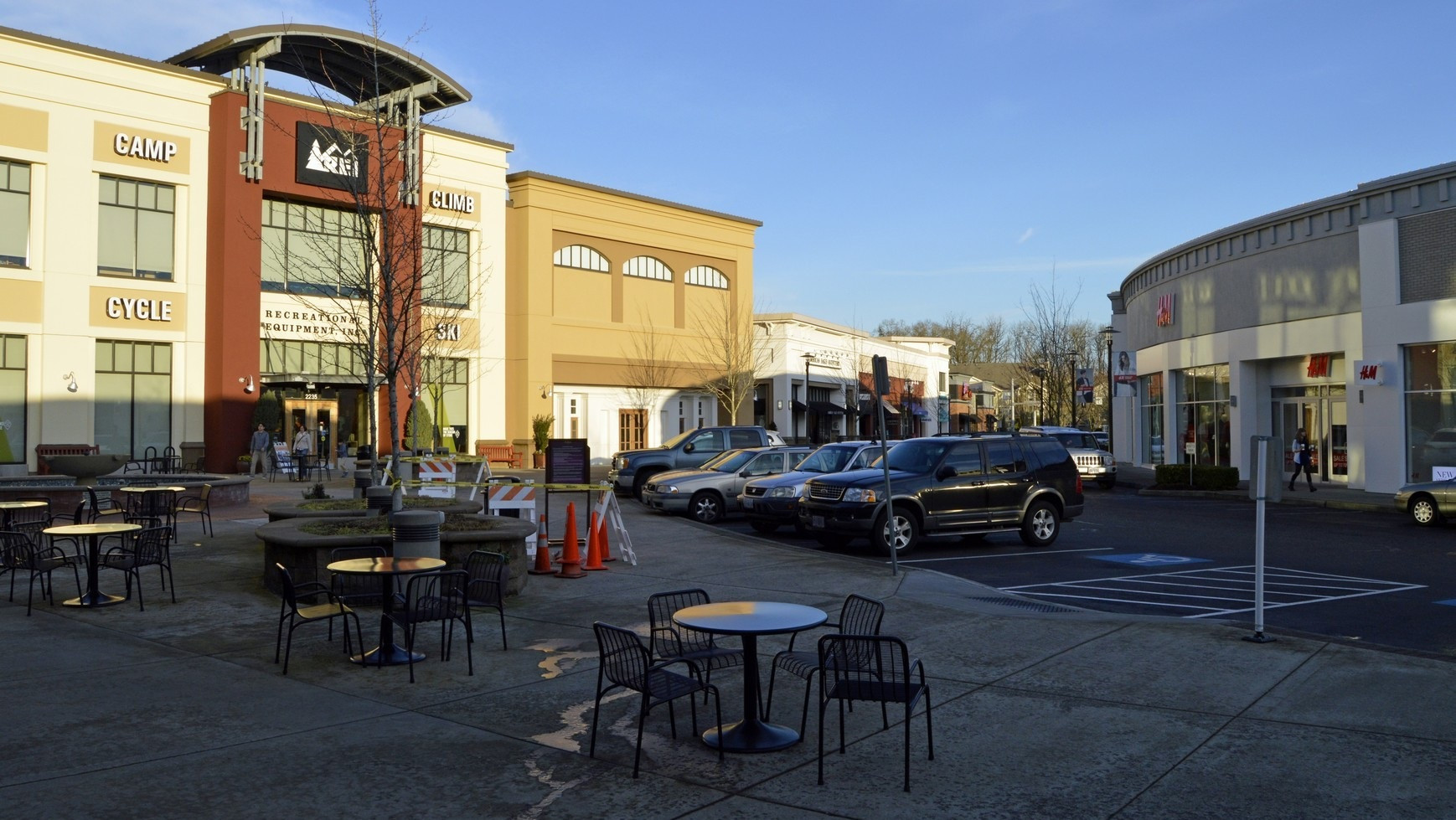 28-streets-of-tanasbourne-shopping-center-hillsboro-oregon-the-kelly-group-real-estate